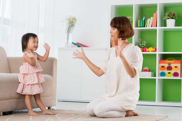 """8 nguyên tắc nuôi dạy con đúng cách bố mẹ nên """"nằm lòng"""""""